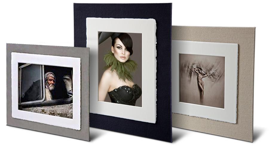 Il Pannello Amalfi è un pezzo di design che incornicia una stampa di qualità museale, in HD Fine Art in un passepartout in cotone realizzato a mano in carta Amalfi.
